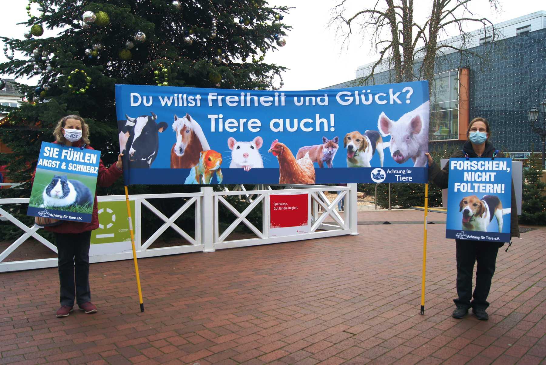 Zwei-Frau-Demo_Guetersloh_Demonstration_fuer_Tierrechte